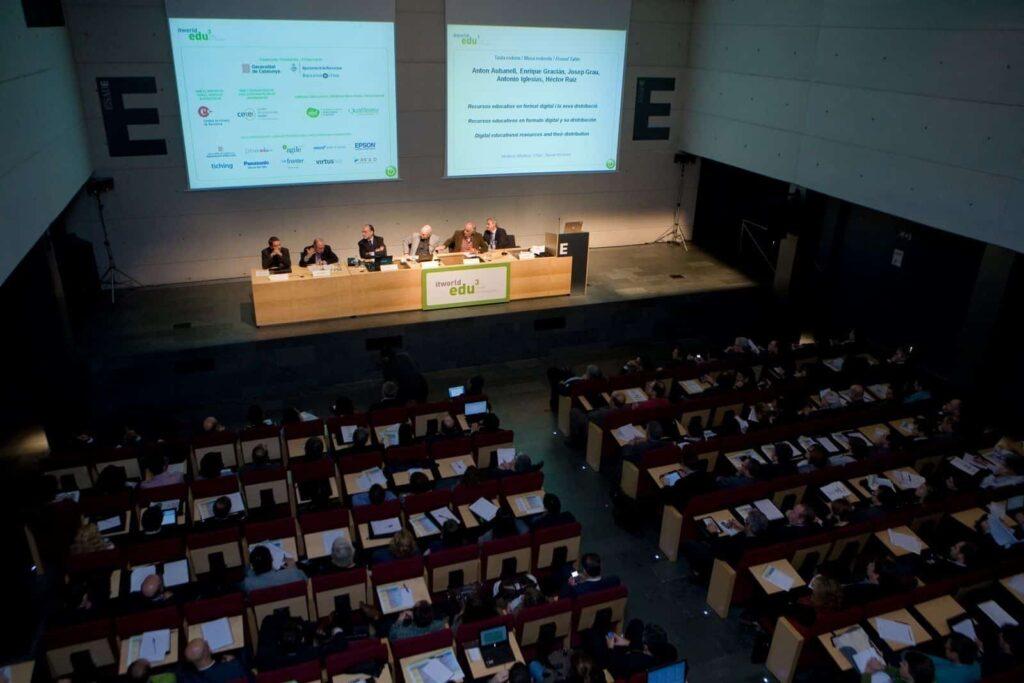 Una de las ponencias en ITworldEdu 2010