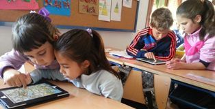 En clase de Geografía con la Guía apps Educación 3.0 en Busquístar 2