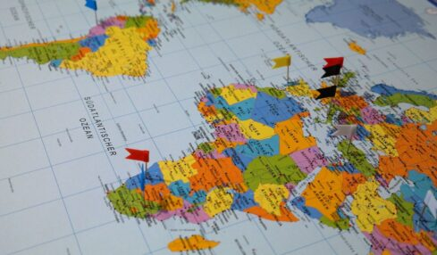 Cuatro recursos esenciales de Geografía e Historia para Secundaria 5