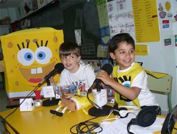 Bob Esponja y Patricio, invitados en la radio escolar del Colegio Claret de Las Palmas de Gran Canaria 1