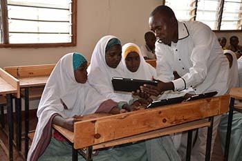 La educación llega a los campos de refugiados con Fundación Vodafone 1