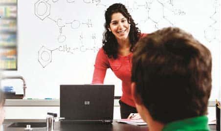 Toma el control del aula con HP Classroom Manager 2