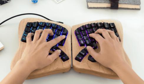 Model 01, el teclado para escribir durante horas 2