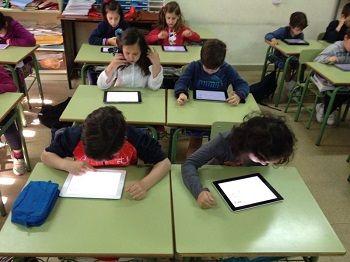 El iPad protagoniza el cambio metodológico en el Colegio San José de Sevilla 1