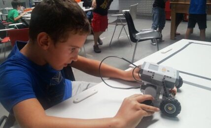 Robótica y programación con Camp Tecnológico 6