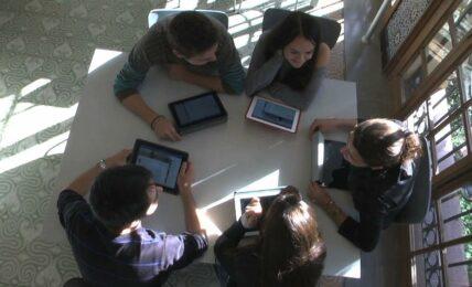 Enseñando con Facebook: la trasformación en el aula en SIMO EDUCACIÓN 2015 2