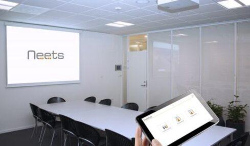 Soluciones de control sencillas para el aula con Neets