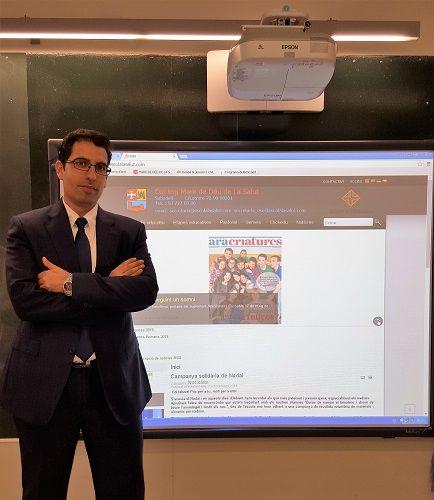 """Francisco Ortiz: """"El uso de proyectores en el aula mejora la atención de los alumnos"""" 1"""