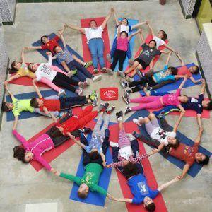 10 recursos para introducir el yoga y mindfulness en el aula 1