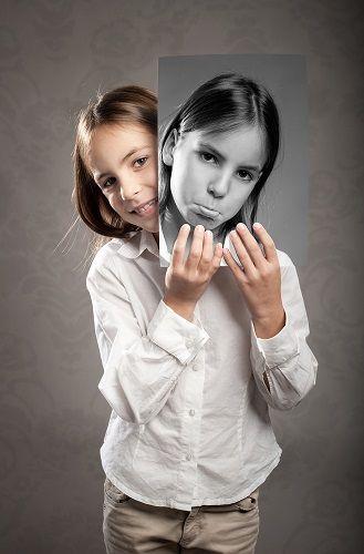 niña con dos caras