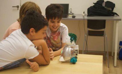 Aisoy1, el robot que fomenta la programación y la educación emocional 1