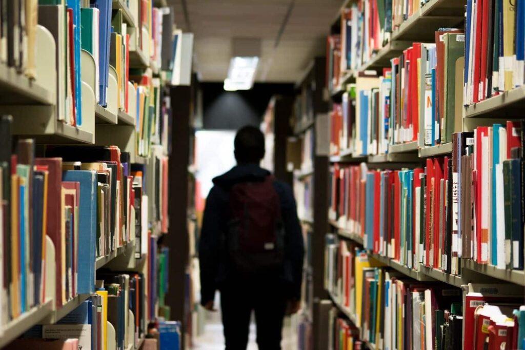 Una biblioteca... con tus libros