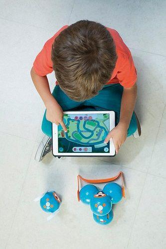 Para el próximo curso, EduBook y los robots Dash & Dot de Vicens Vives
