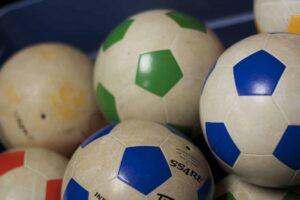 Balones de fútbol @ Pixabay