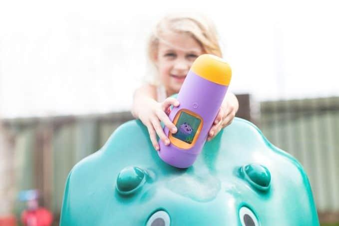 Gululu es una botella interactiva que anima a los niños a mantenerse hidratados 4