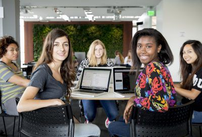 girls-who-code-team