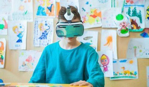 La realidad virtual llega al mundo educativo con Samsung 2