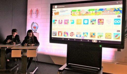 Promethean mejora el reconocimiento de gestos en sus paneles interactivos 5
