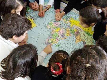 niños mapa