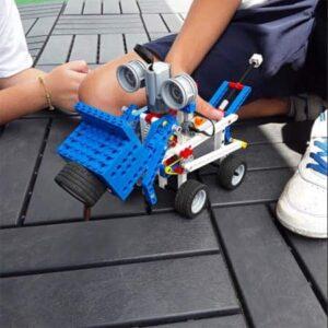 ROBOTS EN CAMPAMENTO DE VERANO