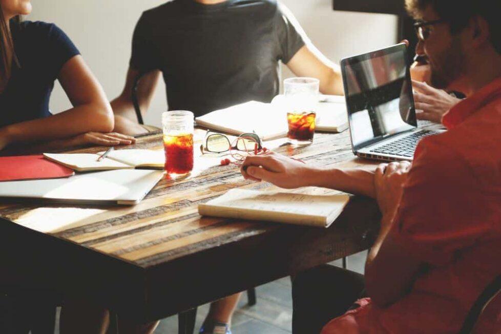5 comunidades educativas en las que encontrar reseñas y análisis de contenido educativo 6