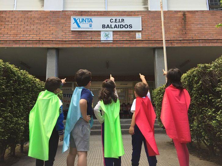 Alumnos de CEIP Balaídos (Vigo) protagonizan un cómic de superhéroes con fines solidarios 1
