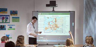 Renueva tu aula para el nuevo curso con los mejores proyectores 10