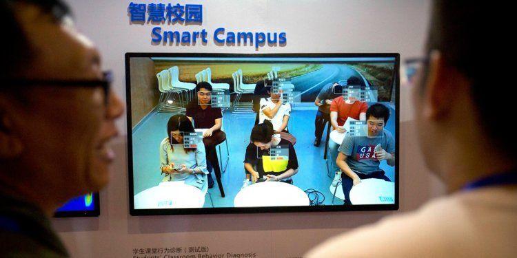 Reconocimiento facial para controlar la asistencia en China