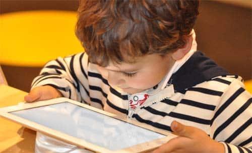 Faltan medidas acoso online a menores