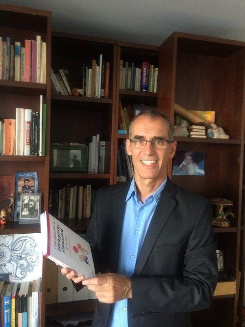 Albert Alegre, autor del libro 'Cómo desarrollar la inteligencia emocional de los niños' l
