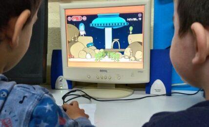 Programación en Infantil: el lobo matías en el espacio