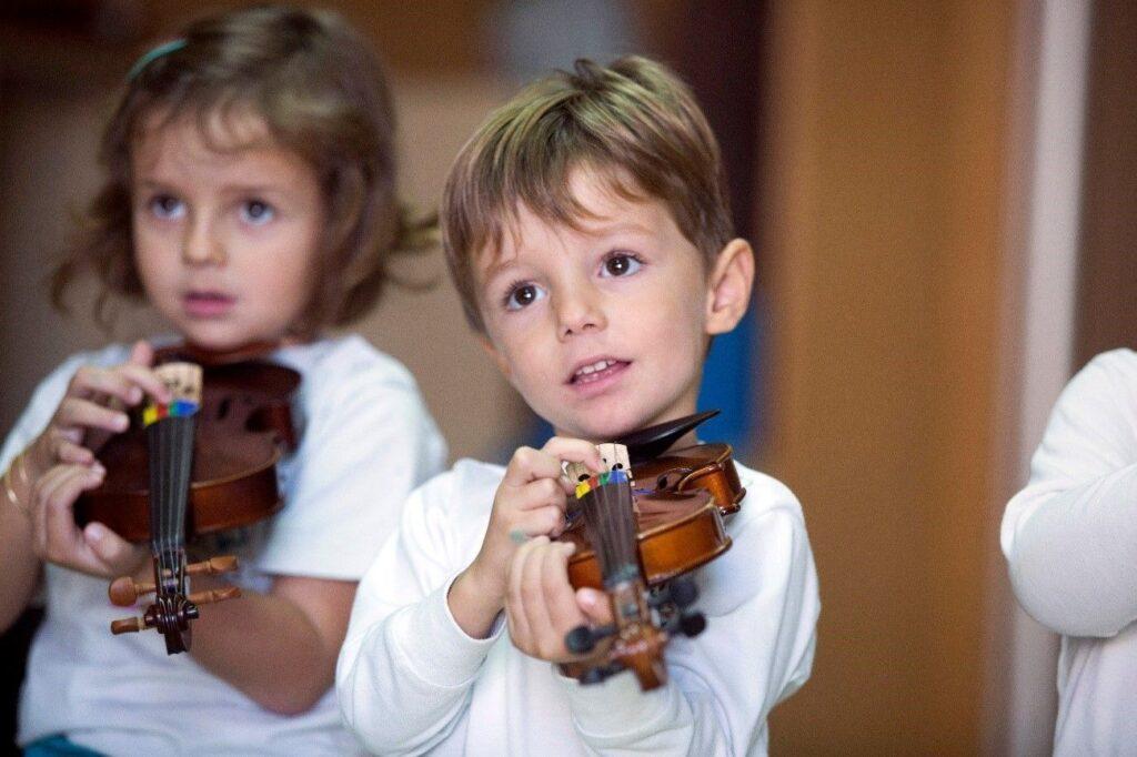 Creatividad para transformar la educación violin