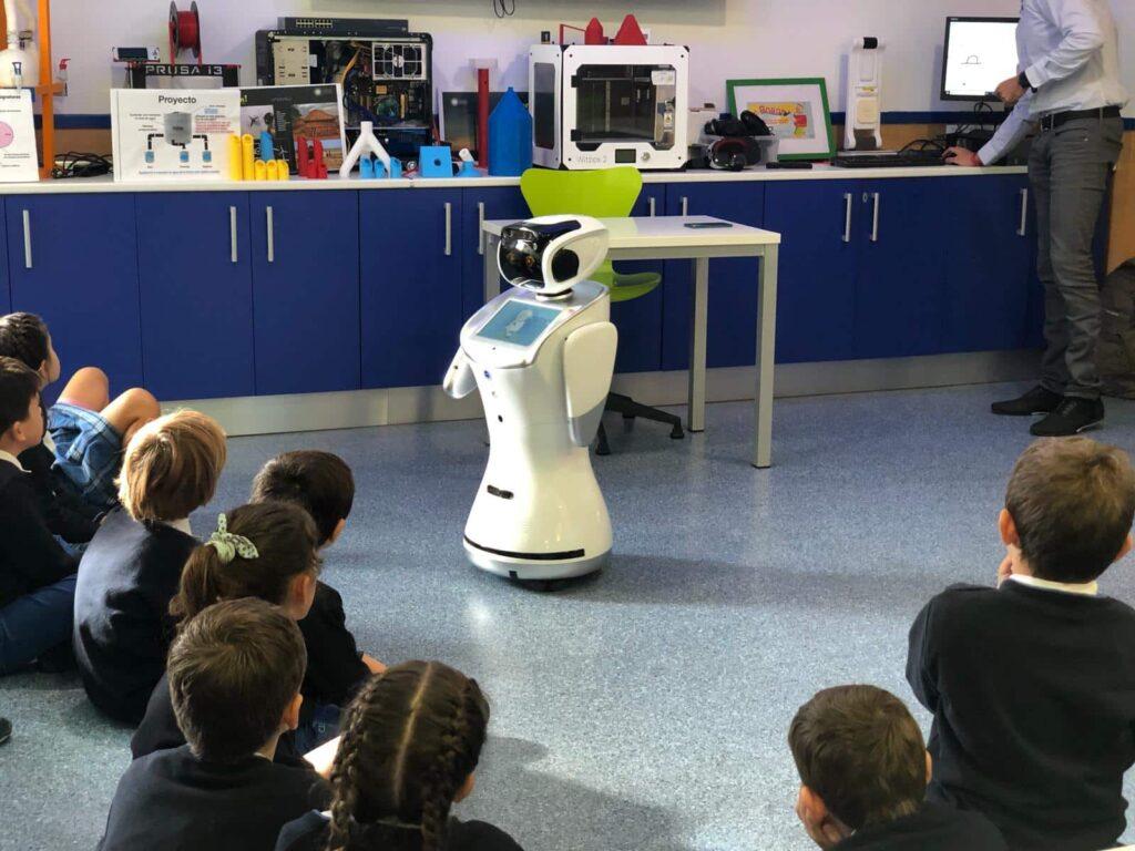 robot aula colegio europeo madrid