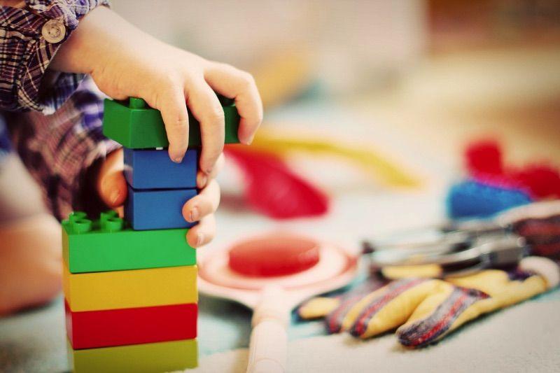 Jugar contribuye al desarrollo infantil