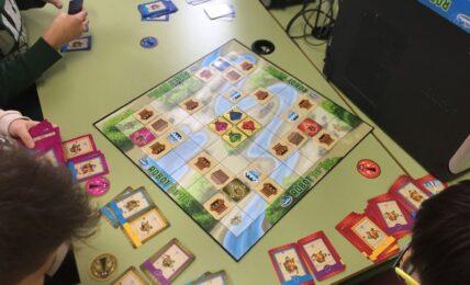programar con juegos de mesa
