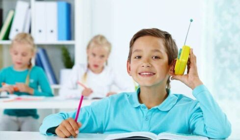 Monta una radio escolar