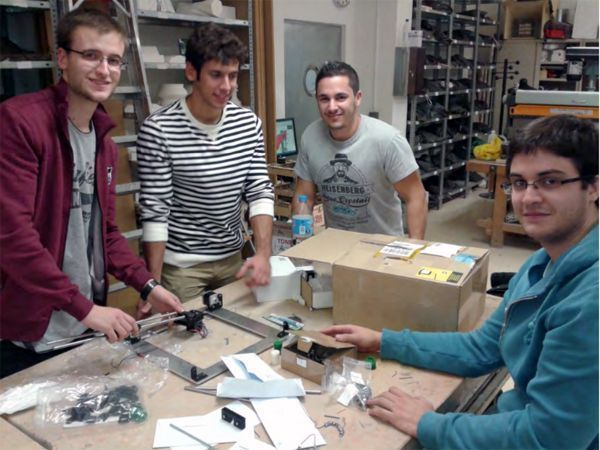 alumnos con impresión 3D