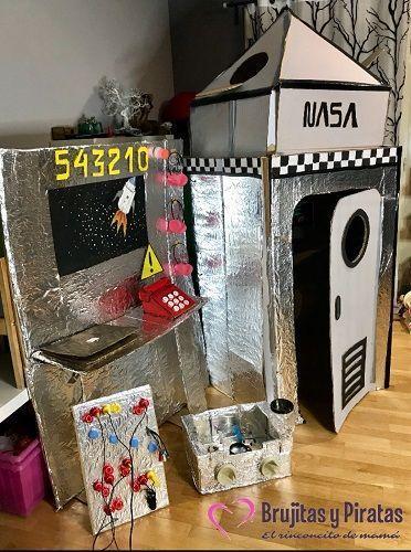 Cómo hacer una nave espacial con cartón