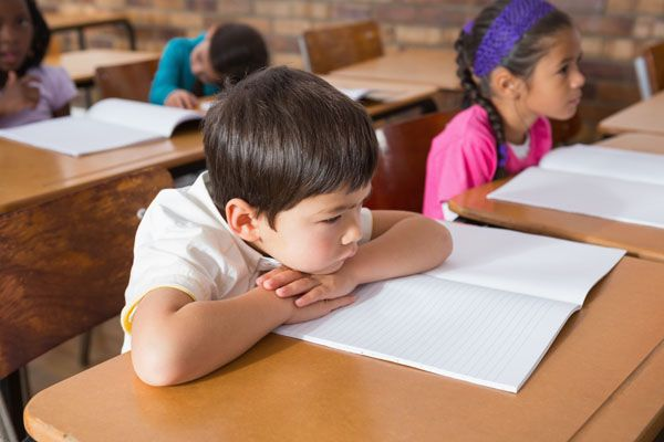 niño salud postural