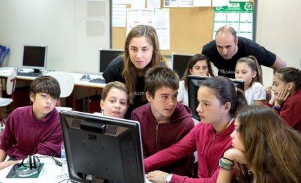 fomentar el interés de las niñas por las STEM