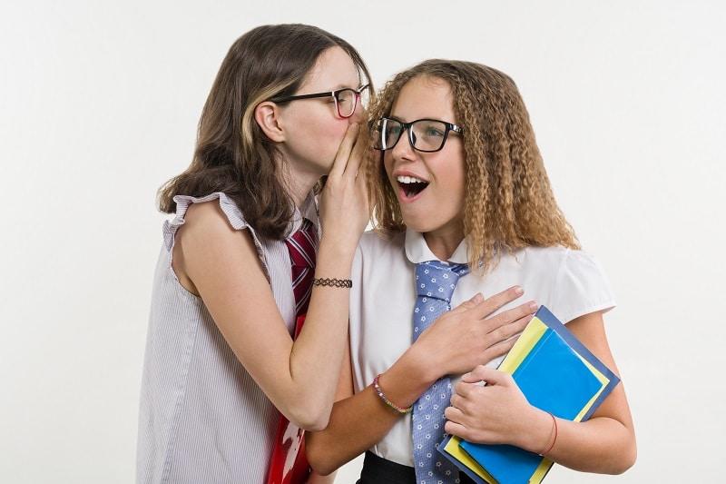 Actividades para que el alumnado se socialice en el recreo: El juego del teléfono