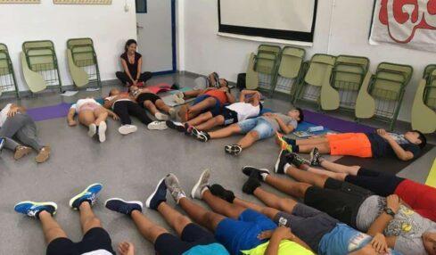 Clase de yoga en IES Azahar en San Martín del Tesorillo