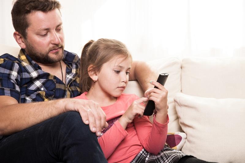dispositivos de sus hijos
