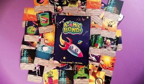 Juego de cartas de química Atomic Bond