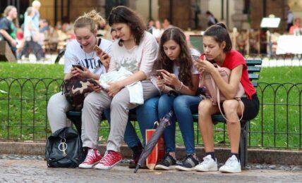 Niñas móviles