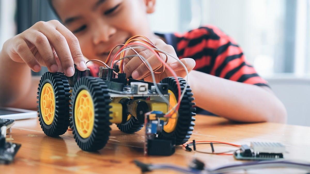 Diversión asegurada en casa con estos juegos STEM