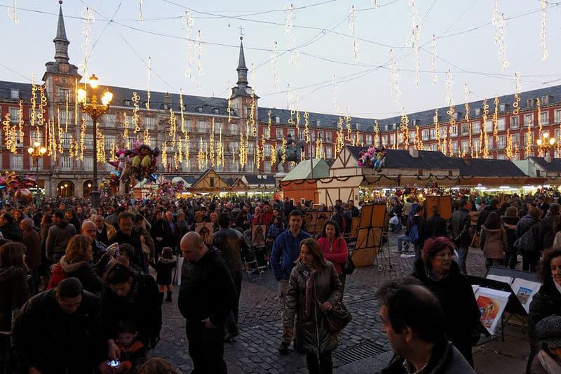 Mercado de Navidad en la Plaza Mayor de Madrid