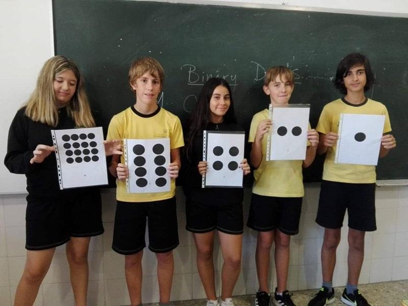 Código binario en la semana de robótica