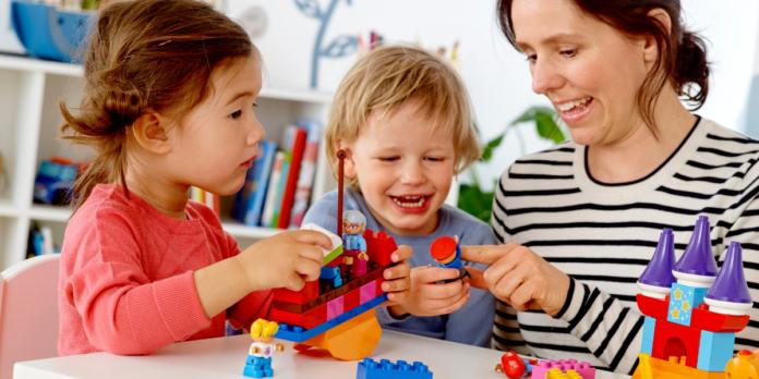beneficios de crecer, aprender y jugar en familia