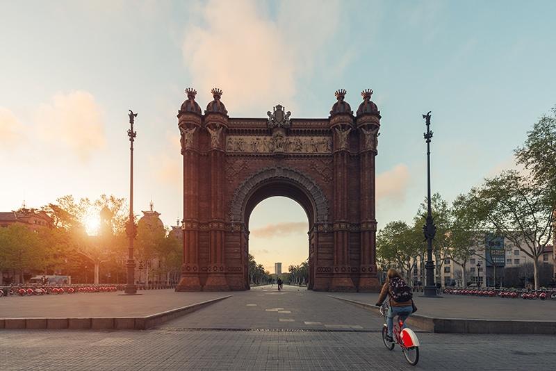 visitas guiadas gratuitas en barcelona en bicileta